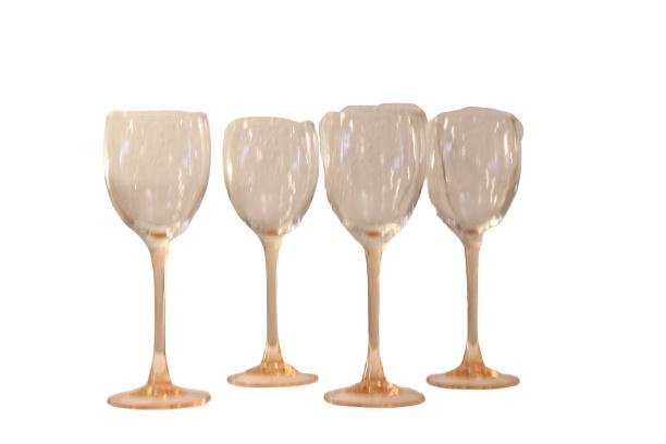 Set van 4 wijnglazen met roze voet