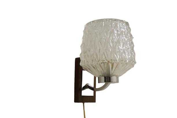 Wandlamp met glazen kap