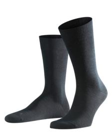 Berlin - black - zwarte Falke kousen zonder elastiek, speciaal voor de bloedsomloop, maat 39-42 (heren)