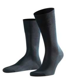 Tiago - black - zwarte, fijne en klassieke Falke kousen in fil d'Ecosse, maat 41-42