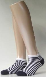 Sneaker Bicolor - marine - korte Falke sokjes, maat 35-38
