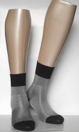 Stella - black - glanzende kousen Falke, maat 39-42 (dames en tieners)