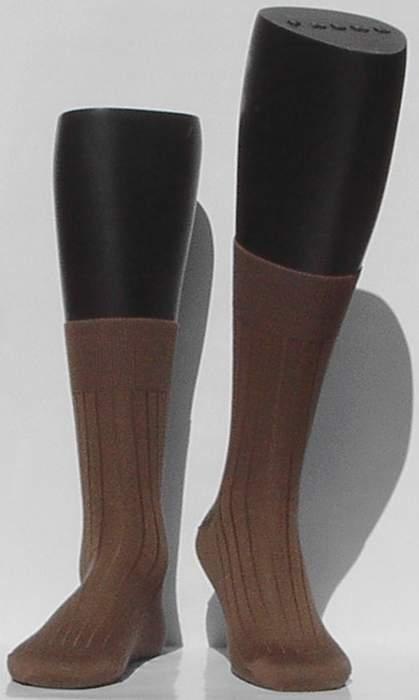 Bristol 80 - humus - bruine Falke kousen met ribpatroon, maat 41-42