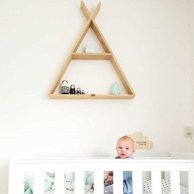 Mintgroen gecombineerd met monochroom trend in de kinderkamer van Finn