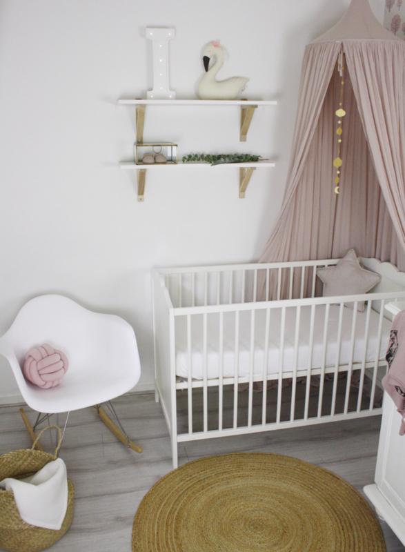 De romantische babykamer van Ivy