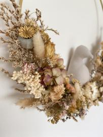 Dried floral wreath bird naturel