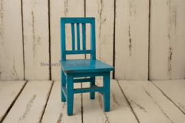 Houten stoeltje vintage blue