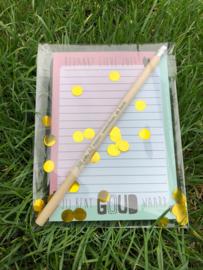 Set notitieblok, potlood en kaartje