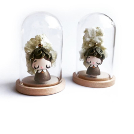 Miss Vintage Leaf & Mica (muscovite) - glass dome