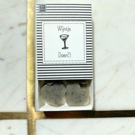 Soap in a box - Wijntje doen?!
