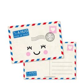 Ansichtkaart - a hug made of PAPER
