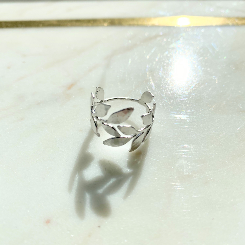 Silver luck laurier ring - silver