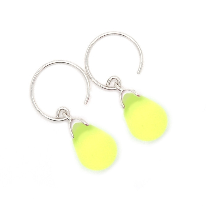 Happy tear oorbellen limon
