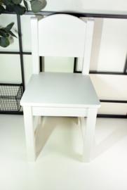 Wit stoeltje gegraveerd