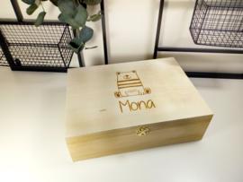 Houten doos met scharnierdeksel - gegraveerd