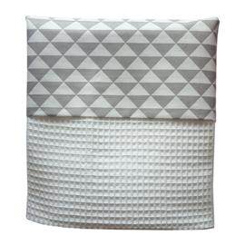 Ledikantdeken wafelstof grijs - wit driehoek