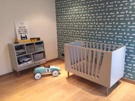 Kinderkamer van Twanne met voertuigen behang