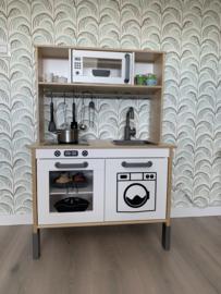 Ikea keukentje van Luke