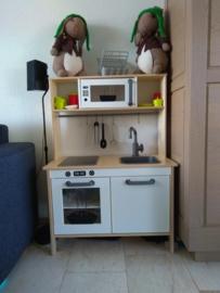 ikea keukentje van Jantine met stickers