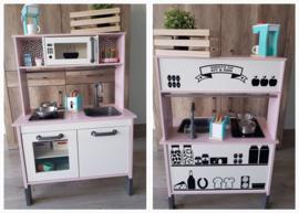 Ikea keukentje + winkeltje bij Familie Pol
