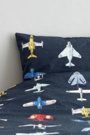 Vliegtuigen dekbedovertrek kinderkamer Studio Ditte - donker