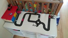 Autobaan op speelgoedkast bij Marjolein