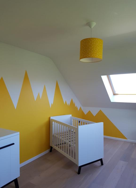 Babykamer oker van Thomas