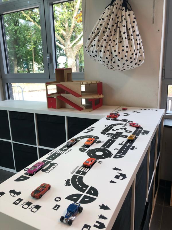 Autobaan sticky roads in 1e kleuterklas Ariane uit Belgie