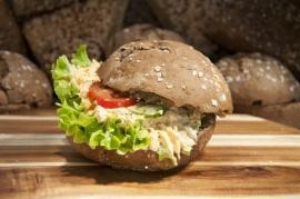 Broodje huisgemaakte tonijnsalade