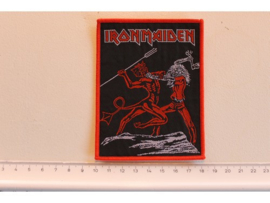 IRON MAIDEN - RUN TO THE HILLS ( RED BORDER ) WOVEN
