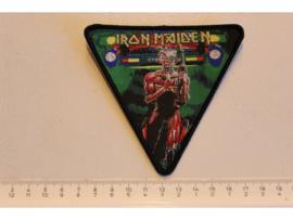 IRON MAIDEN - INVADERS ( BLACK BORDER ) WOVEN