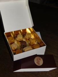 Fudge assortiment in bonbondoos (9 stuks)