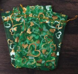 Organza zakjes groen met hart 7x9cm - 10 stuks