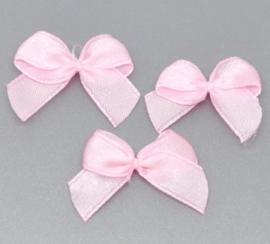 Strikjes roze 25x20mm