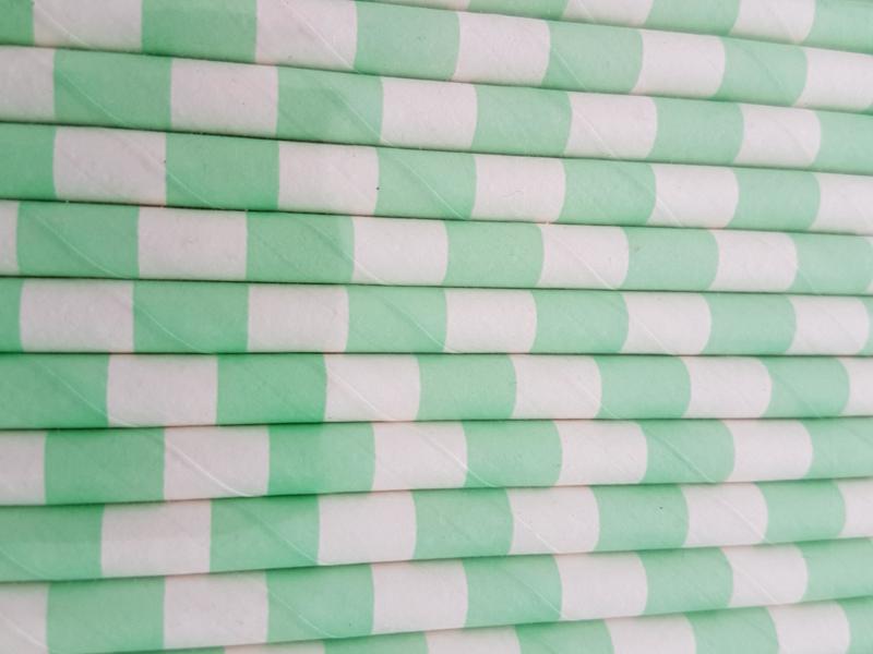 Rietjes 25 stuks  Streepjes licht groen