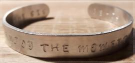 Tekstarmband - Enjoy the moment
