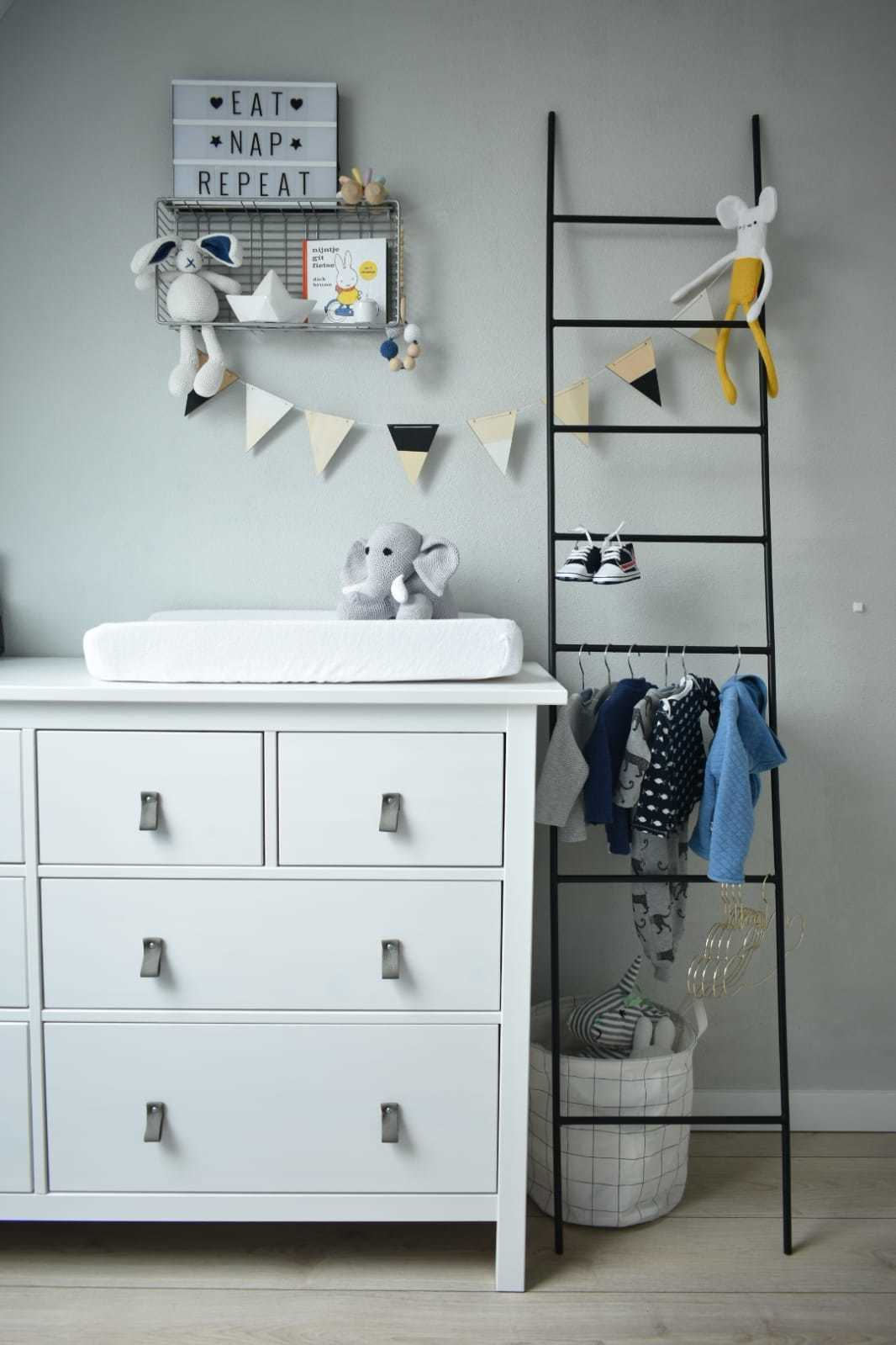 Babykamer Stoer en licht