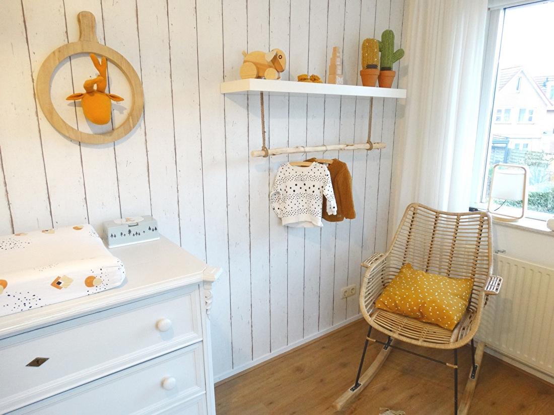 Babykamer okergeel neutraal