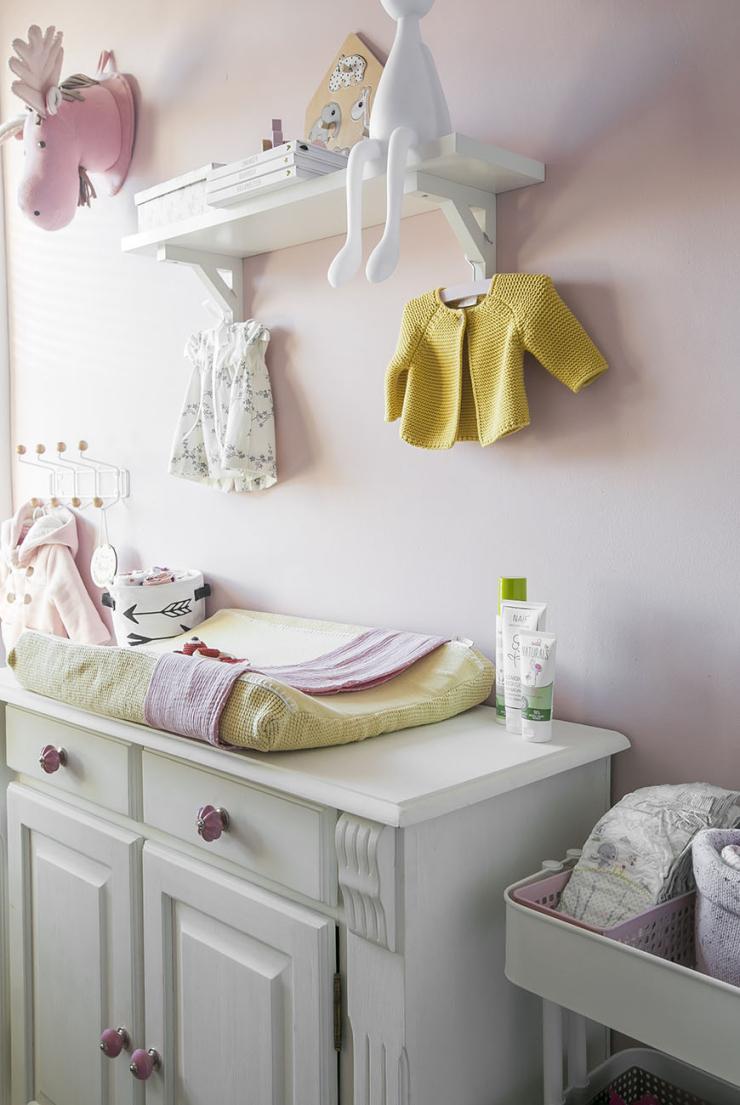 Babykamer roze en okergeel