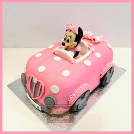 Minnie auto taart 3D voor 16 personen