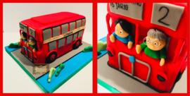 Engelse Bus taart 3D voor 16 personen