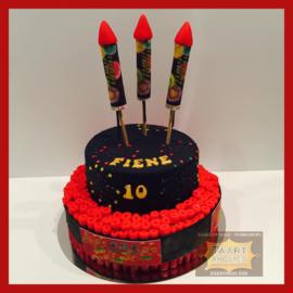 """Vuurwerk taart  met echte """"vuurwerk"""" 16 personen"""