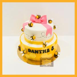 Bijen taart 16 personen