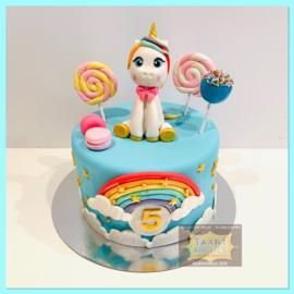 Eenhoorn/ unicorn 3D met Lollie taart 10 personen