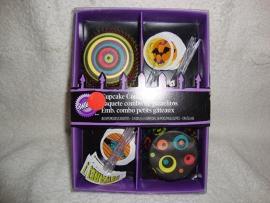 Cupcake vormpjes en prikkers Wilton - 415-0451