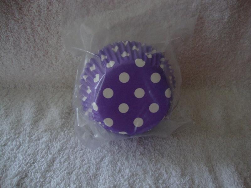 Cupcake vormpjes Polkadot paars 40 stuks
