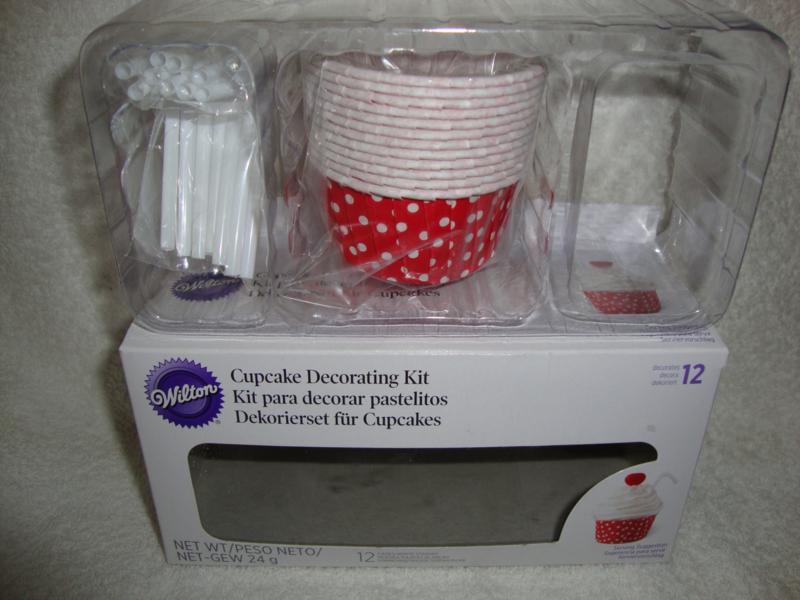 Cupcake decoratieset Wilton 03-3042 (ZONDER SUIKERGOED)