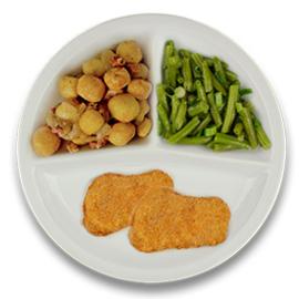 Varkensschnitzels met jus, gebakken kriel met spek en ui, sperziebonen
