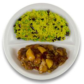 Kip pilav met perzik, rijst met zwarte boontjes en doperwten