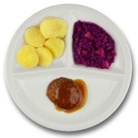 Rundergehaktbal met vleesjus, gekookte aardappelen, rode kool met appel  ZONDER TOEGEVOEGD ZOUT & KALIUMBEPERKT